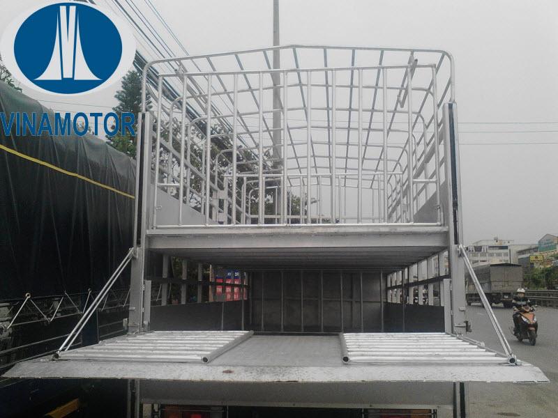 Xe tải chở lợn 2 tầng Hyundai HD700 Đồng Vàng 7 Tấn